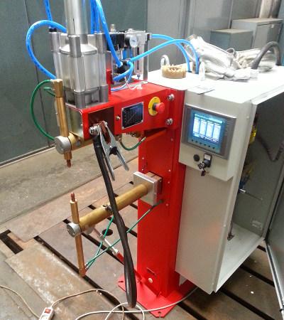 Svářecí stroj